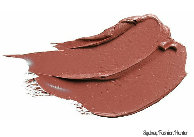 Nude Lipstick Smear