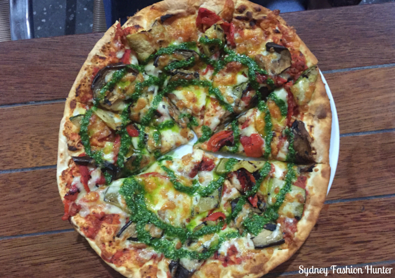 Sydney Fashion Hunter: Sunshine Coast Dining - Solbar Vegetarian Pizza