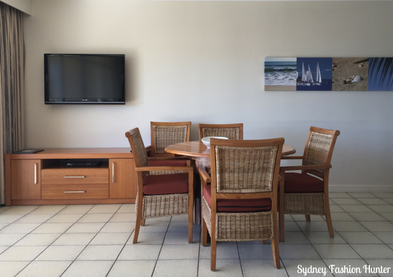 Sydney Fashion Hunter: Whitsunday Apartments Hamilton Island Review - Dining Room