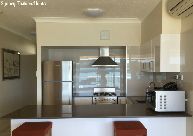 Sydney Fashion Hunter: Whitsunday Apartments Hamilton Island Review - Kitchen