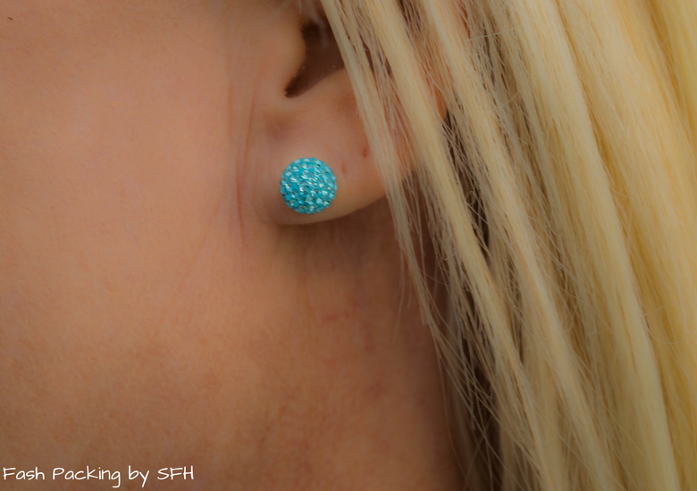 Fash Packing by Sydney Fashion Hunter: Black, White & Blue: Fresh Fashion Linkup 52 - Earrings