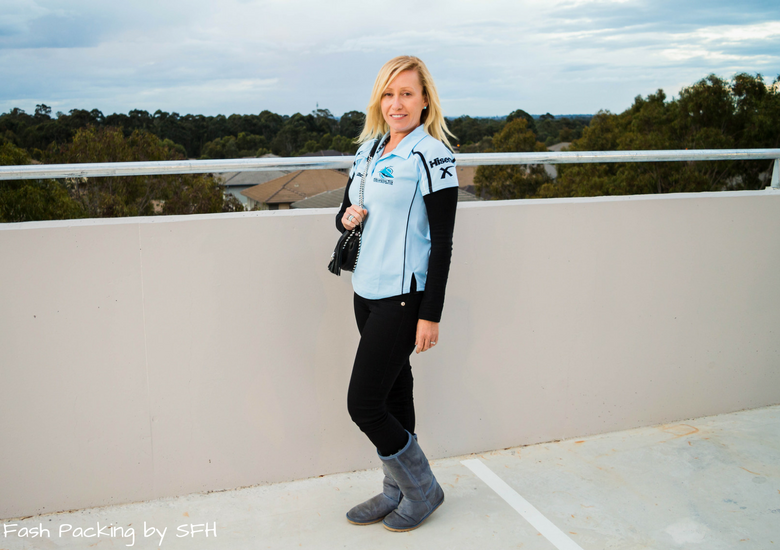 Fash Packing by Sydney Fashion Hunter: Black, White & Blue: Fresh Fashion Linkup 52 - Coat Off