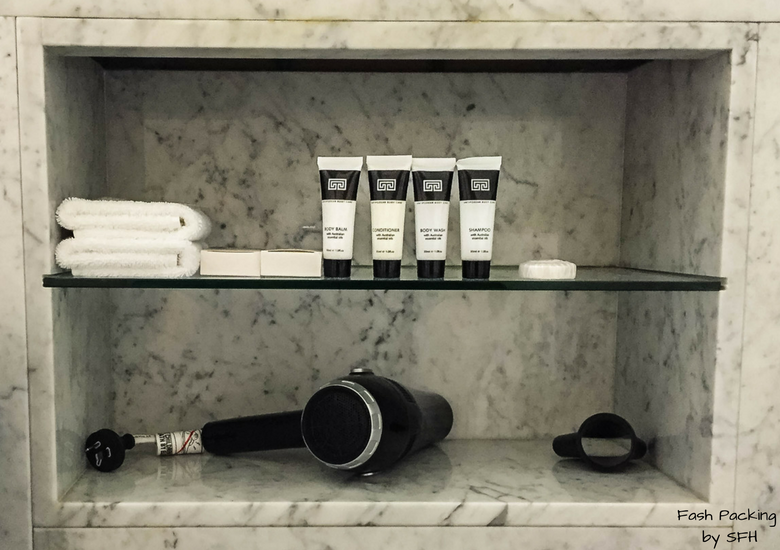 Fash Packing by SFH: Vibe Savoy Melbourne Hotel Review - Toiletries