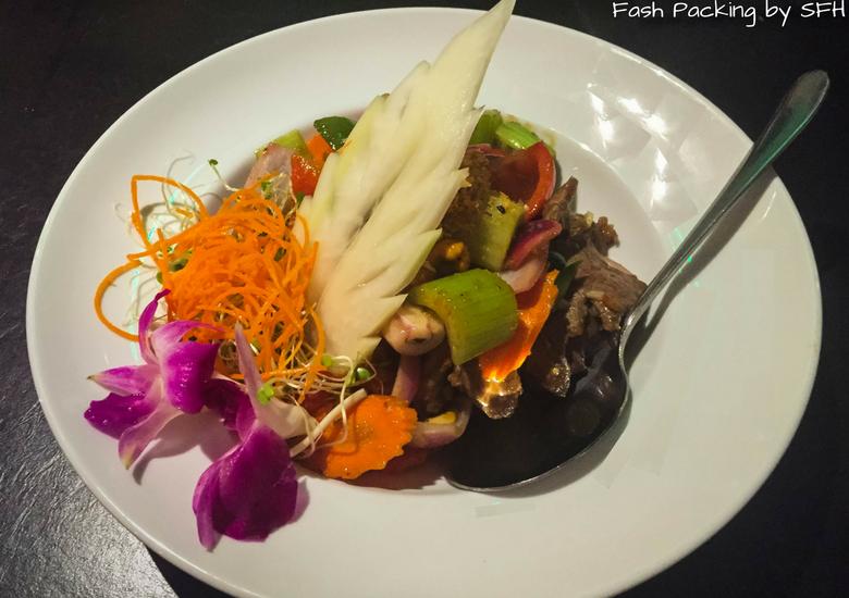 Fash Packing by Sydney Fashion Hunter: Noi Thai Cuisine Waikiki Hawaii - Beef Cashew Nut