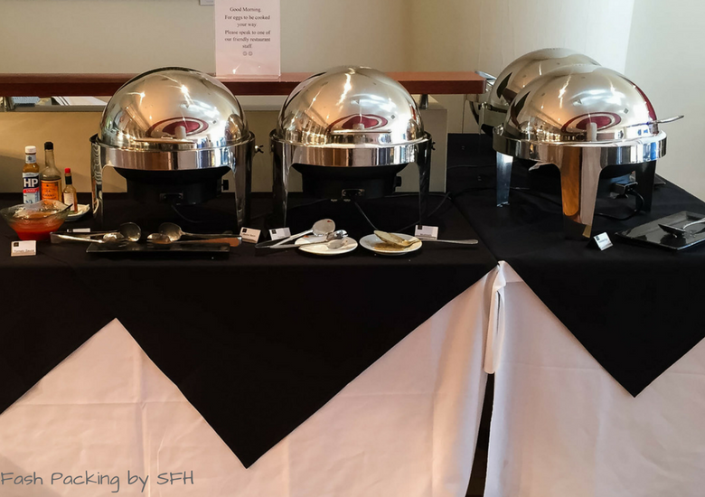 Fash Packing by SFH: CityLife Auckland Review - Breakfast Hot Buffet