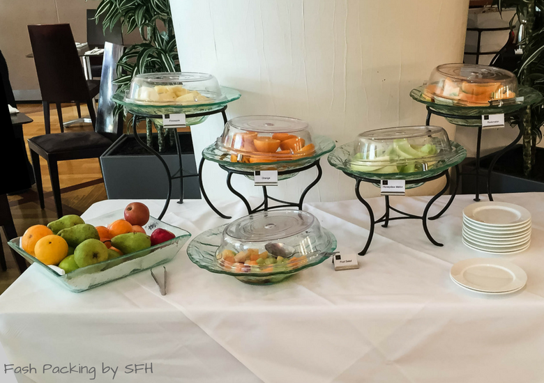 Fash Packing by SFH: CityLife Auckland Review - Breakfast Zest Restaurant & Bar Fruit Selection