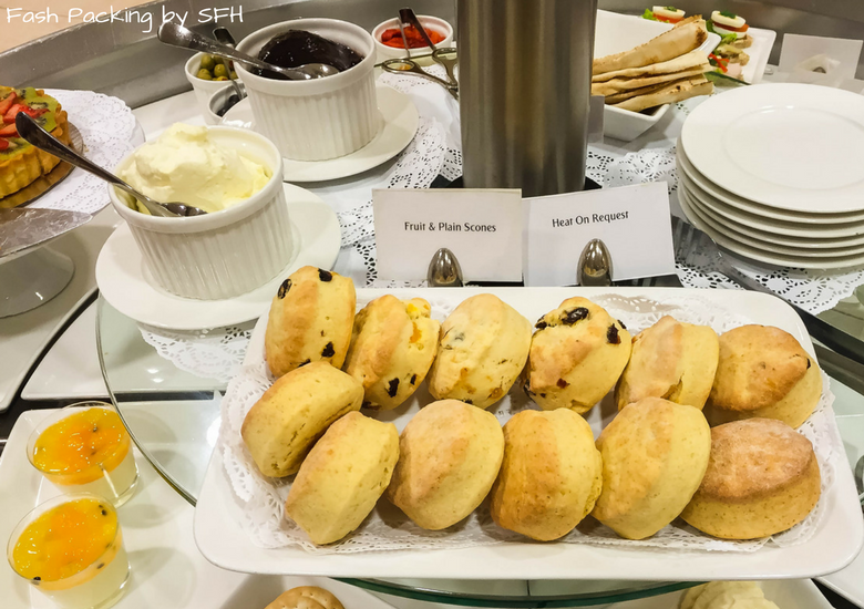 Fash Packing by SFH: Emirates A380 First Class Review - Auckland International Airport Emirates Lounge - Scones