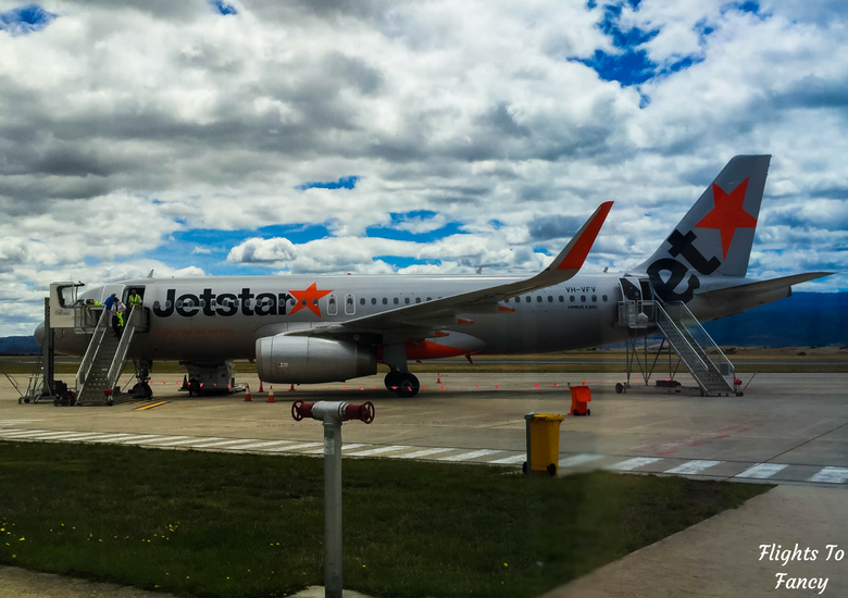 Flights To Fancy: Jetstar A320 Economy Class Review JQ745 SYD-LST - Jetstar A320 At Launceston Airport
