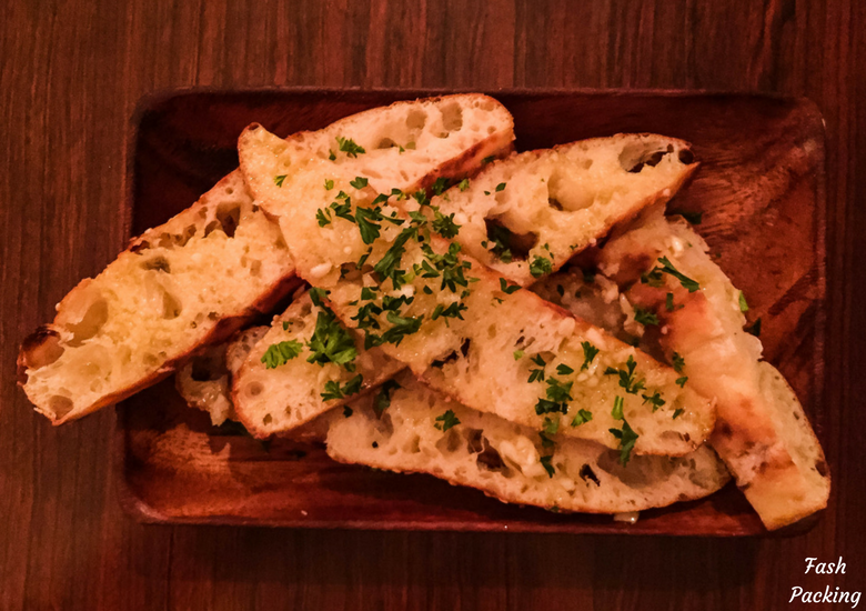 Fash Packing: Cafe Midnight Express Auckland - Garlic Bread