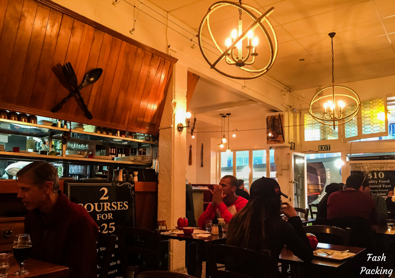Fash Packing: Cafe Midnight Express Auckland - Interior