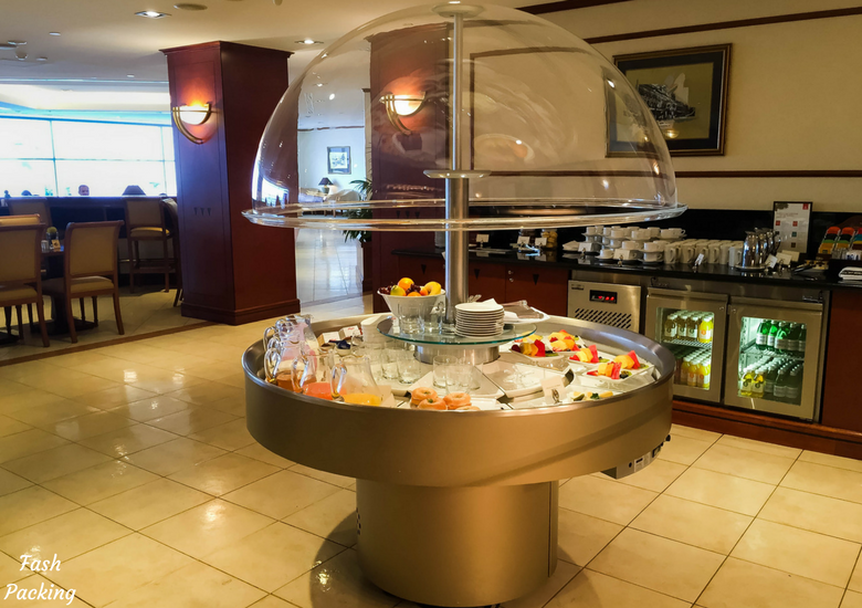 Fash Packing: Emirates Lounge Sydney International Airport Review - Cold Buffet