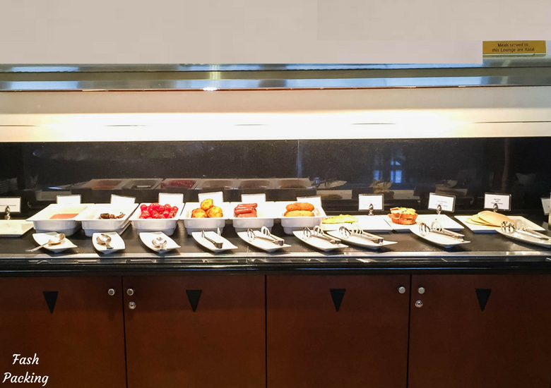 Fash Packing: Emirates Lounge Sydney International Airport Review - Hot Buffet