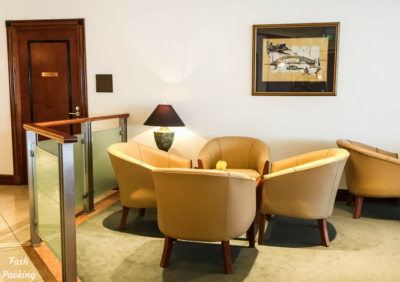 Fash Packing: Emirates Lounge Sydney International Airport Review - Seating