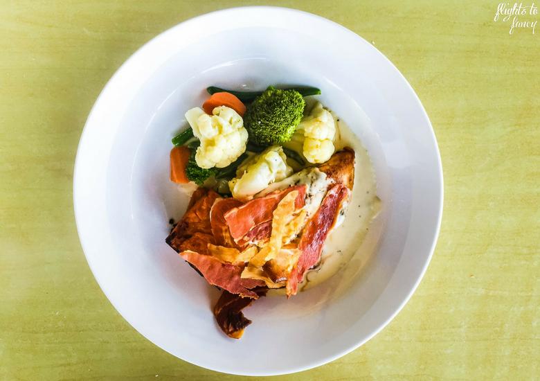 Flights To Fancy: Bicheno Tasmania The Most Affordable Place In Freycinet - Beachfront Bicheno Restaurant Waubs Bay Chicken