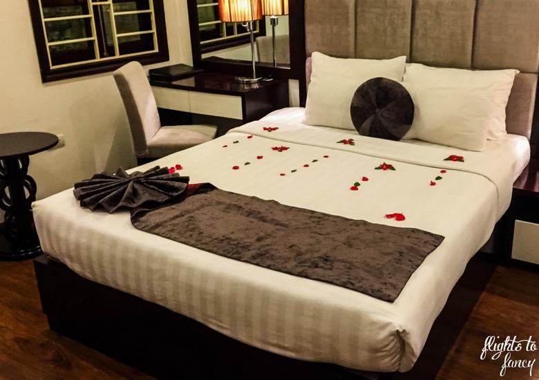 Flights To Fancy: Hanoi Glance Hotel Review - Bedroom