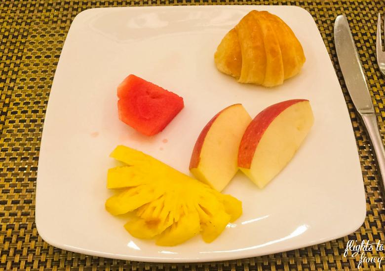 Flights To Fancy: Hanoi Glance Hotel Review - Breakfast
