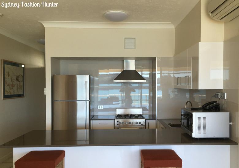 Sydney Fashion Hunter: Whitsunday Apartments Hamilton Island Review - Kitchen