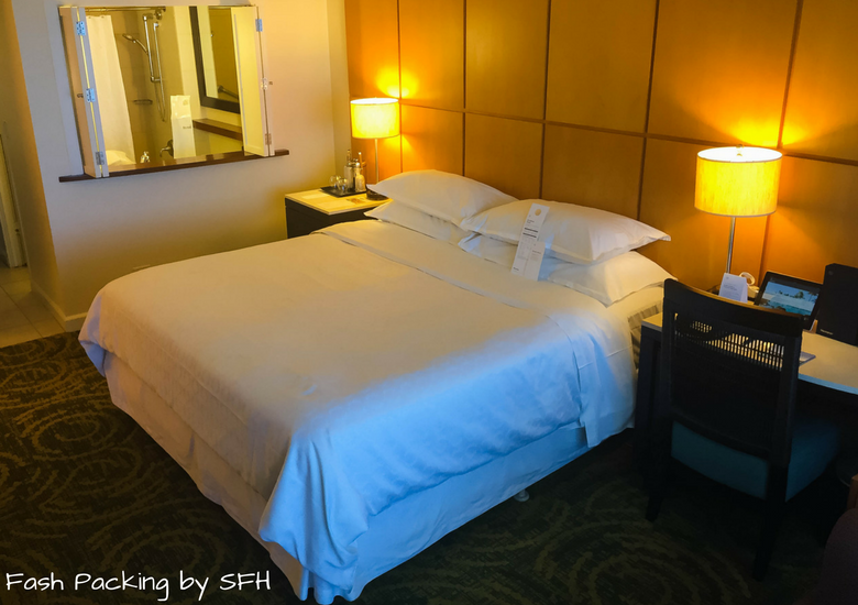 Fash Packing by Sydney Fashion Hunter: Sheraton Waikiki Review - Room