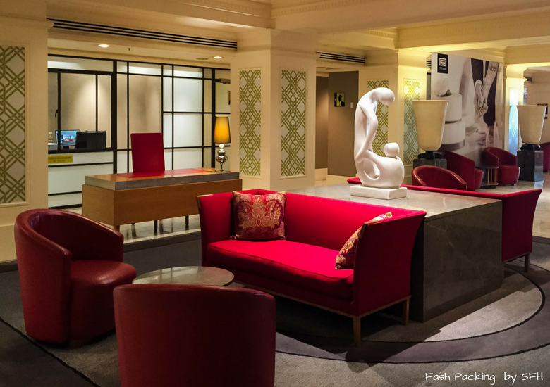 Fash Packing by SFH: Vibe Savoy Melbourne Hotel Review - Lobby