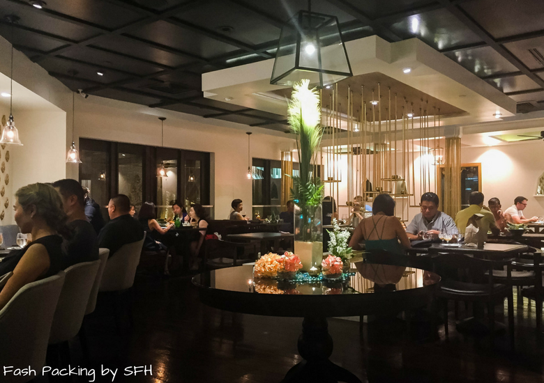 Fash Packing by Sydney Fashion Hunter: Noi Thai Cuisine Waikiki Hawaii - Chicken Satay