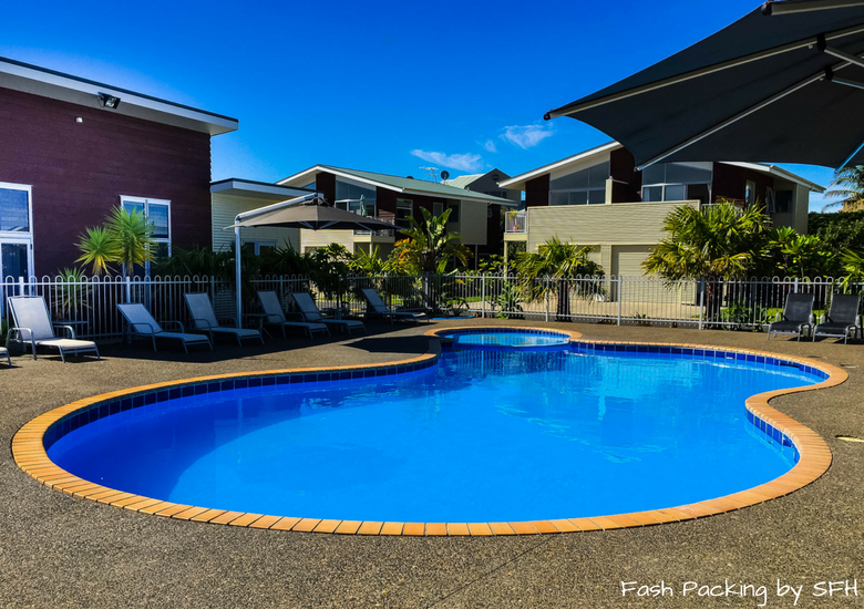 Fash Packing by SFH: Beachside Resort Whitianga New Zealand - Pool