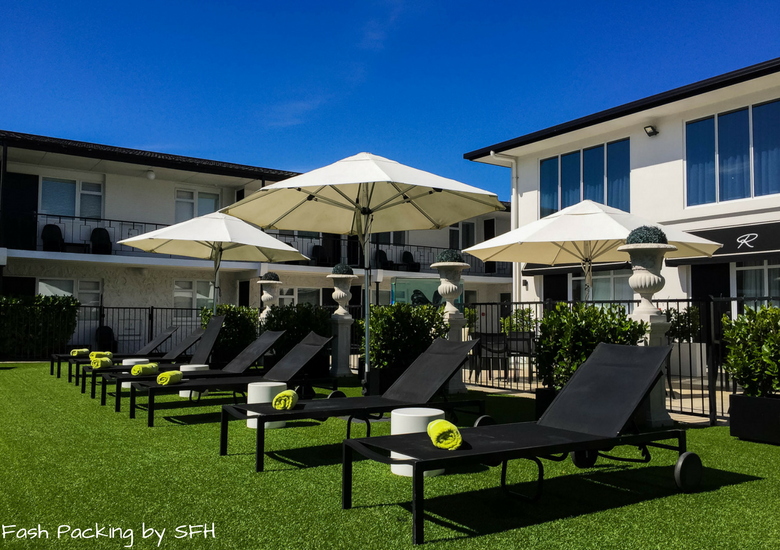 Fash Packing by SFH: Regent Of Rotorua A Boutique Hotel - Pool Lounges