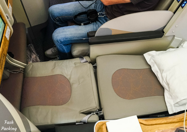 Fash Packing: Emirates A380 Business Class Review - Flat Bed