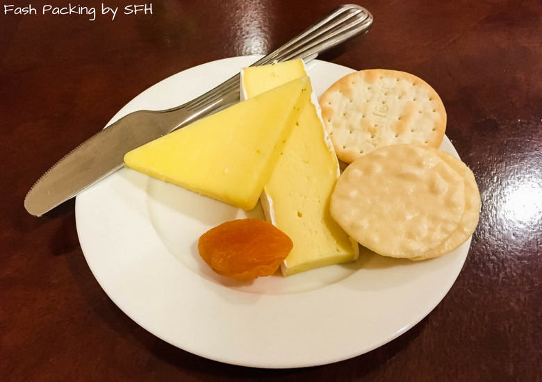 Fash Packing by SFH: Emirates A380 First Class Review - Auckland International Airport Emirates Lounge - Cheese Plate