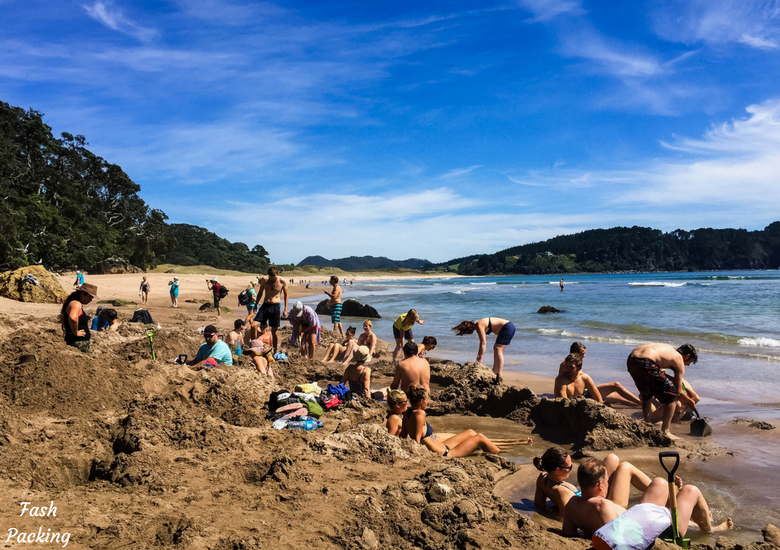 Fash Packing: New Zealand Road Trip 7 Day North Island Itinerary - Hot Water Beach