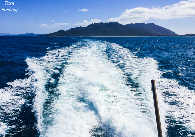 Fash Packing: Wineglass Bay Cruises Tasmania Exclusive Sky Lounge Experience - Wake