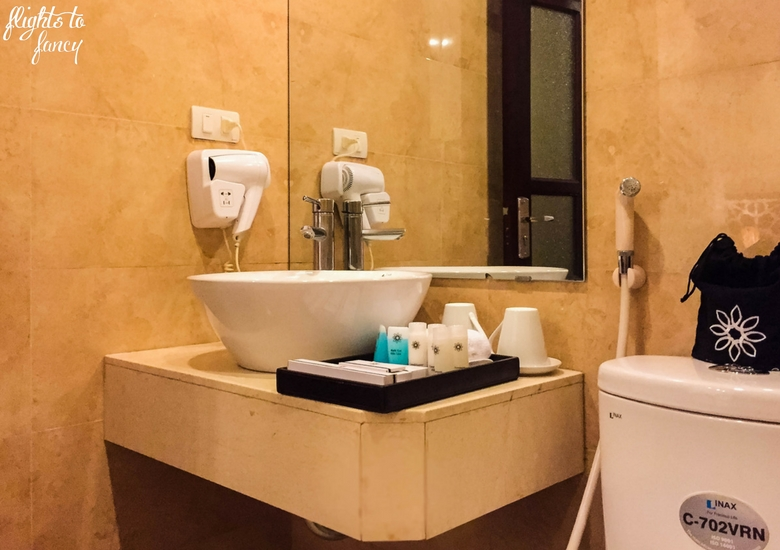 Flights To Fancy: Hanoi Glance Hotel Review - Vanity