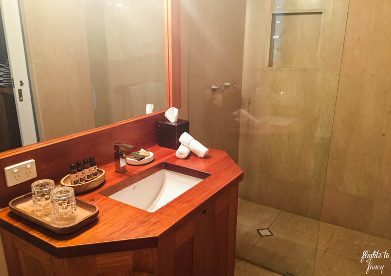 Flights To Fancy: Silky Oaks Lodge Mossman Queensland - Bathroom