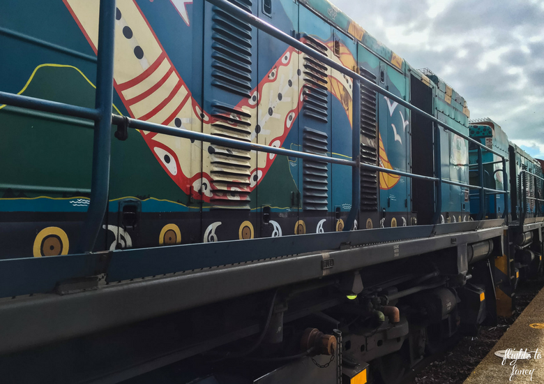 Flights To Fancy: Kuranda Scenic Railway Gold Class - Indigenous Art on Engine