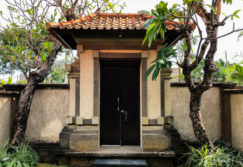The Club Villas Seminyak: Entrance to our Bali villas Seminyak