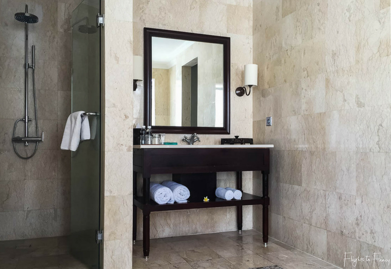 The Club Villas Seminyak: Shower and vanity in Bali Villas Seminyak