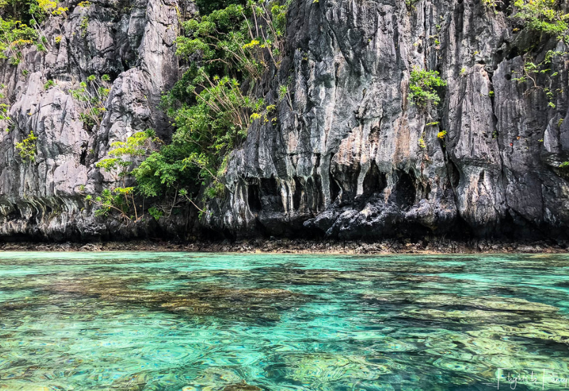 El Nido Tour A - Crystal clear turquoise water and rugged limestone karsts at Small Lagoon El Nido