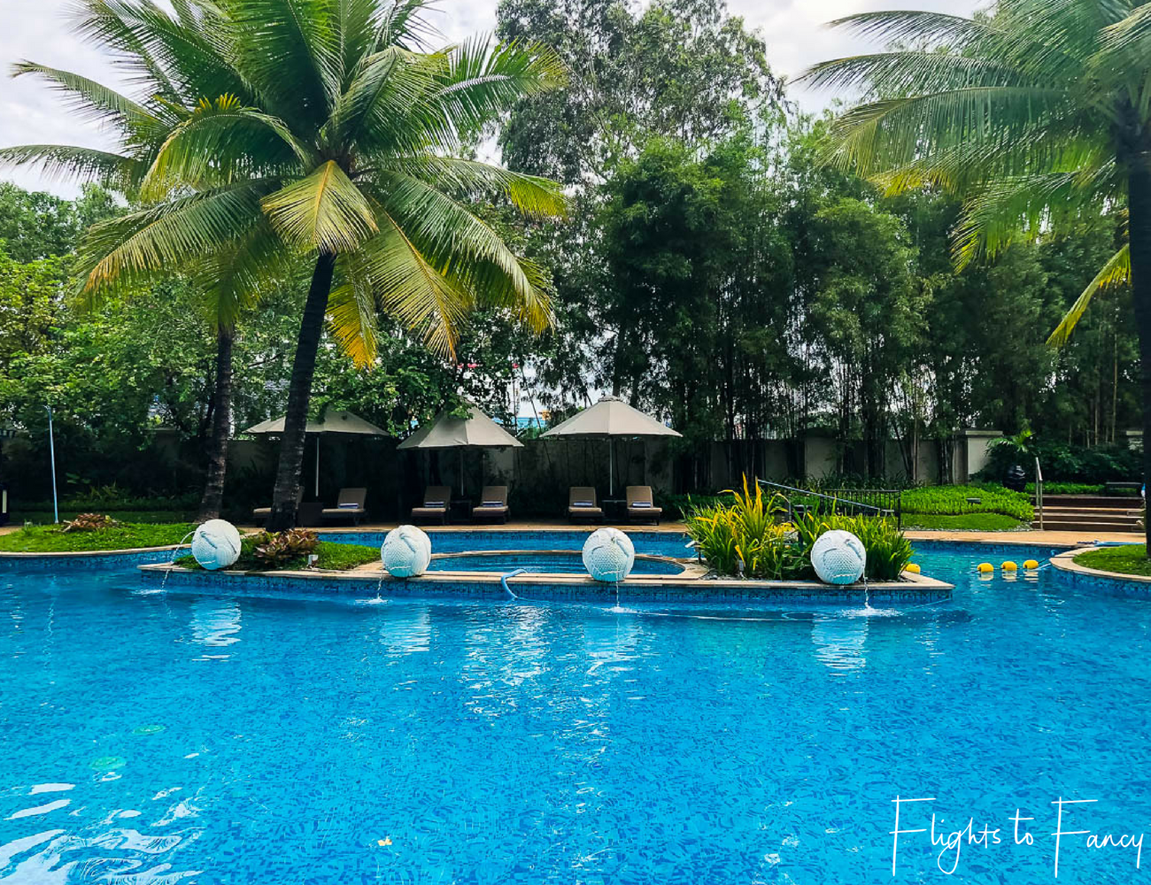 Flights To Fancy @ Radisson Blu Cebu City. Pool