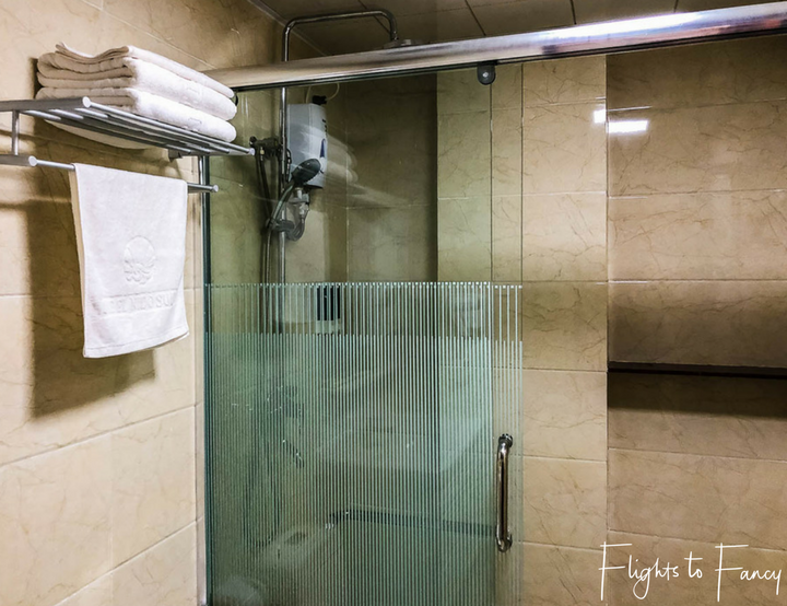 Finding Hotels In El Nido Philippines: One El Nido Suite Shower