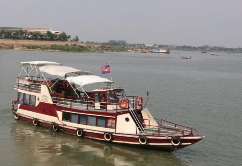 Transport in Phnom Penh - River Cruise
