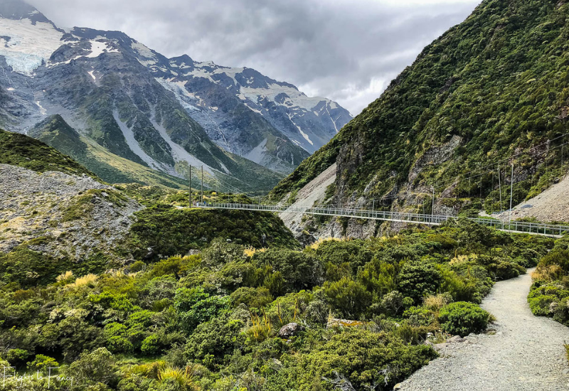 Mount Cook Walks: Second suspension bridge Hooker Valley Track
